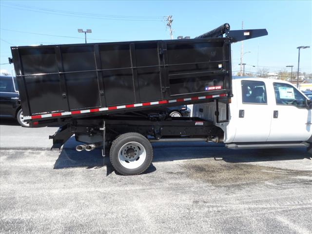 2016 F-550 Crew Cab DRW 4x4, Morgan Landscape Dump #T16236 - photo 7