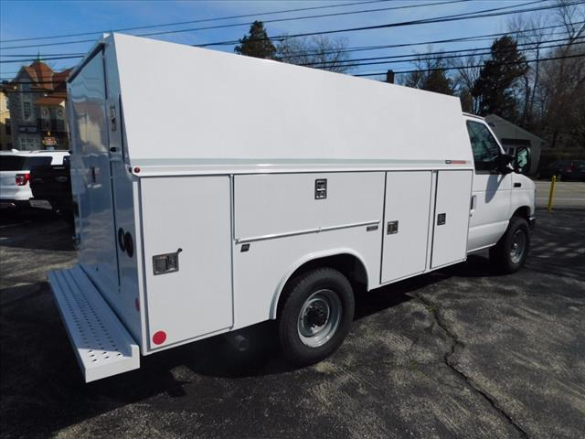 2016 E-350, Reading Service Utility Van #T16335 - photo 4