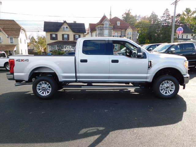 2017 F-250 Crew Cab 4x4 Pickup #T17603 - photo 6