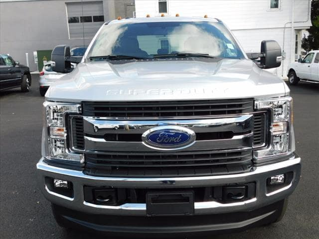 2017 F-250 Crew Cab 4x4 Pickup #T17603 - photo 11