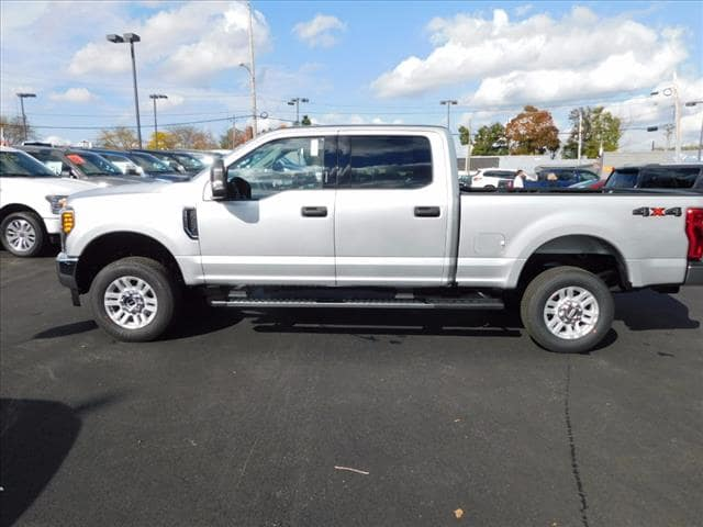 2017 F-250 Crew Cab 4x4 Pickup #T17603 - photo 3