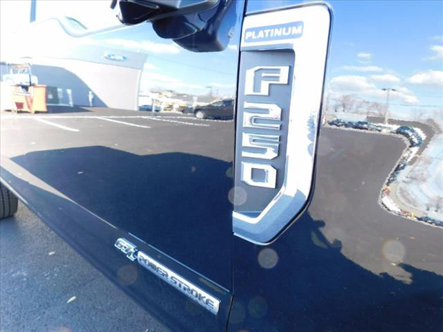 2018 F-250 Crew Cab 4x4 Pickup #T18073 - photo 9