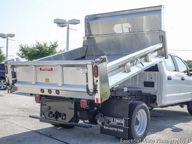 2018 F-550 Crew Cab DRW 4x4,  Rugby Dump Body #F36538 - photo 10