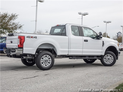 2017 F-250 Super Cab 4x4, Pickup #F56361 - photo 2