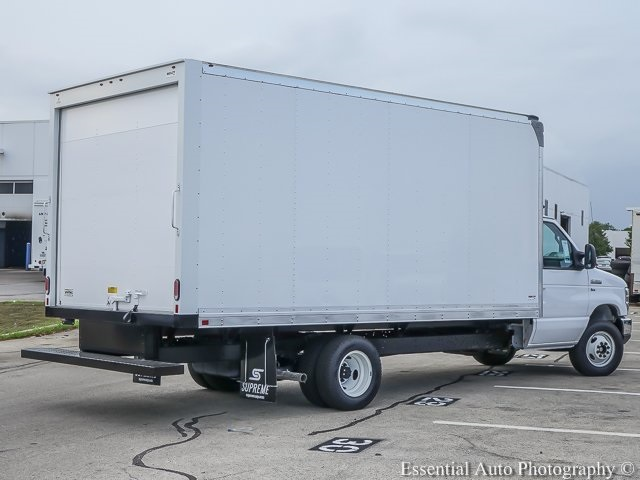 2018 E-350 4x2,  Supreme Cutaway Van #K00141 - photo 2