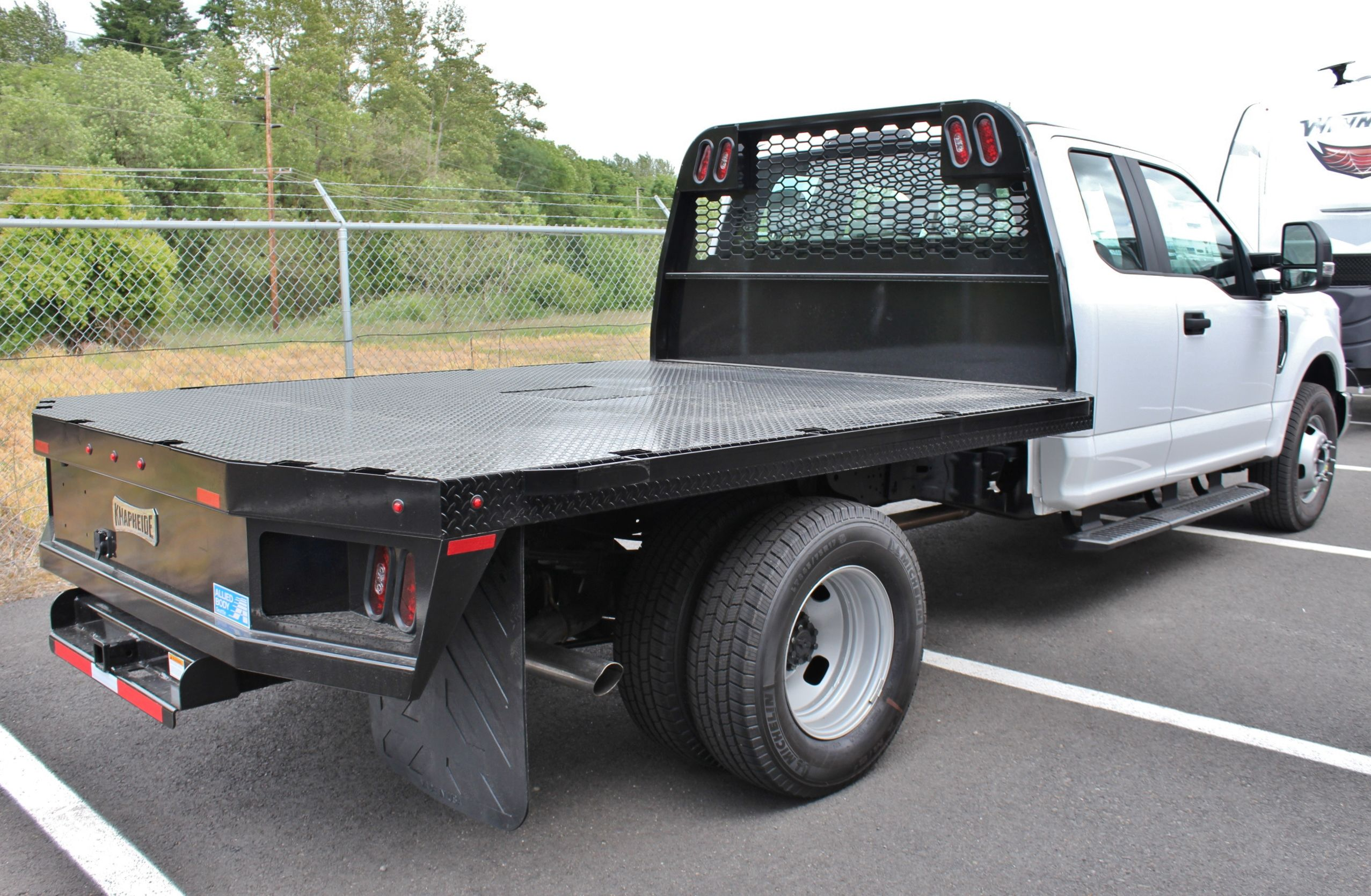 2017 F-350 Super Cab DRW, Knapheide PGNB Gooseneck Platform Body #30116 - photo 2