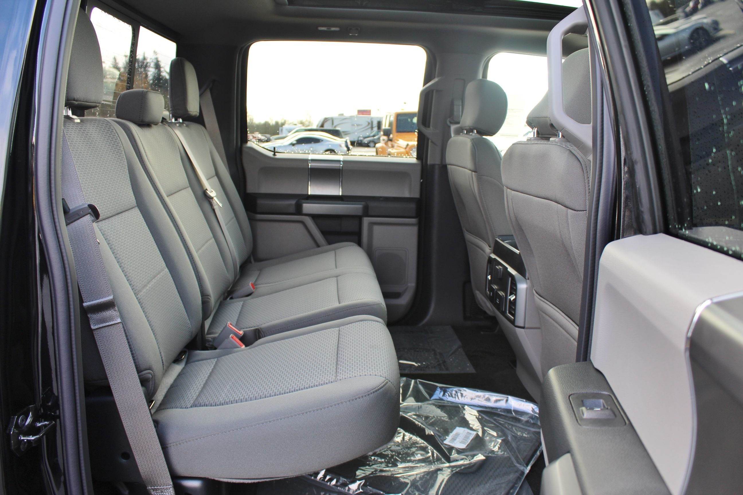 2018 F-150 Crew Cab 4x4, Pickup #30804 - photo 26