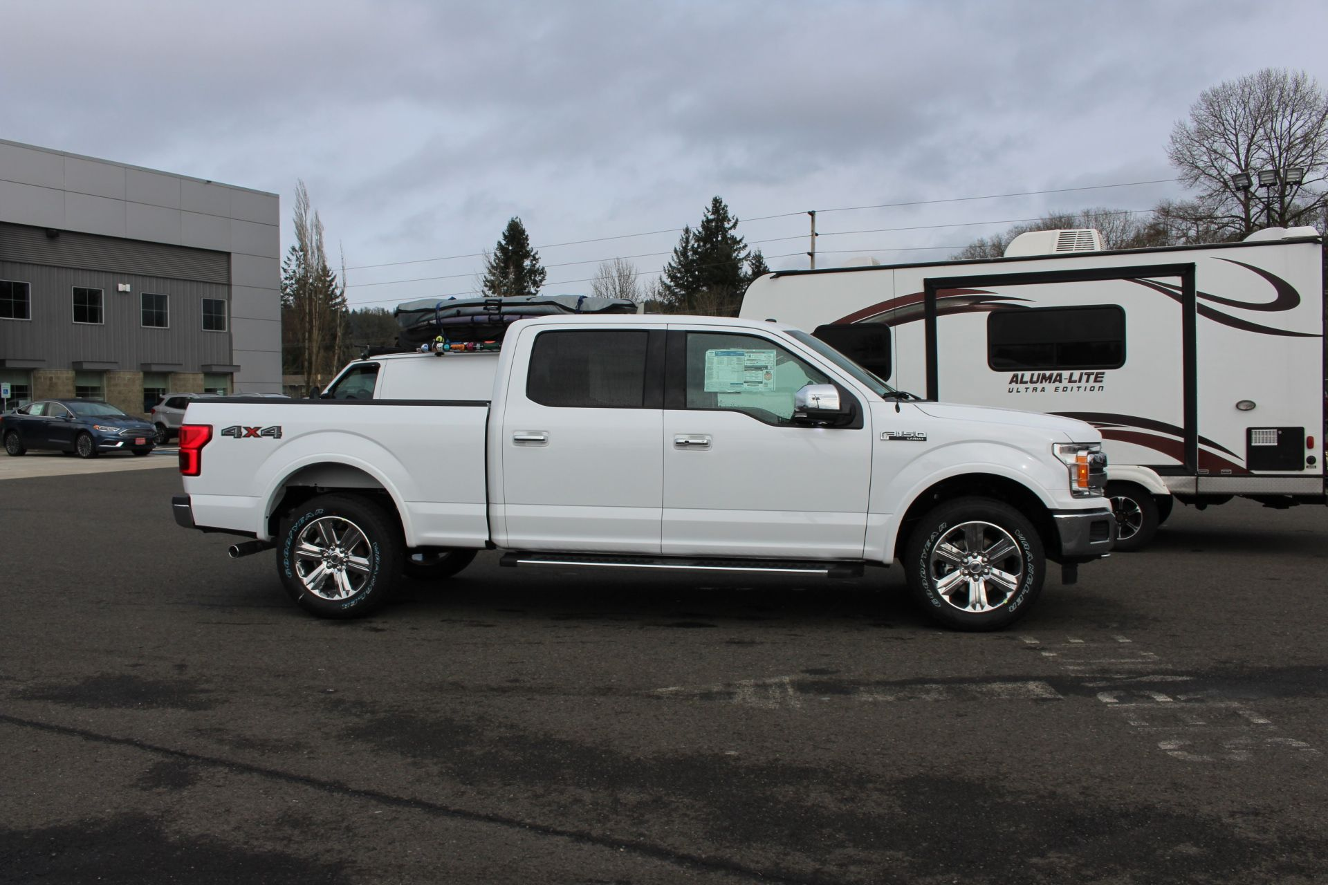 2018 F-150 Crew Cab 4x4, Pickup #31068 - photo 4