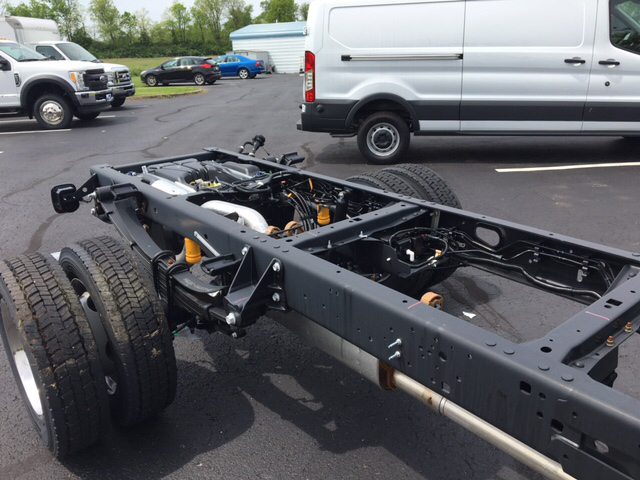 2017 F-450 Regular Cab DRW 4x4, Cab Chassis #57289 - photo 6