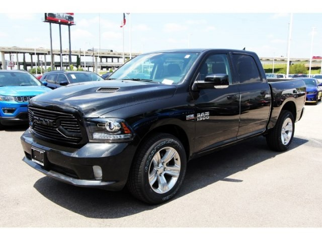 2018 Ram 1500 Crew Cab 4x4, Pickup #829012 - photo 3