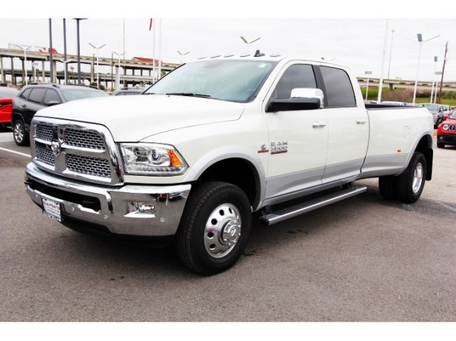 2018 Ram 3500 Crew Cab DRW 4x4, Pickup #829030 - photo 3
