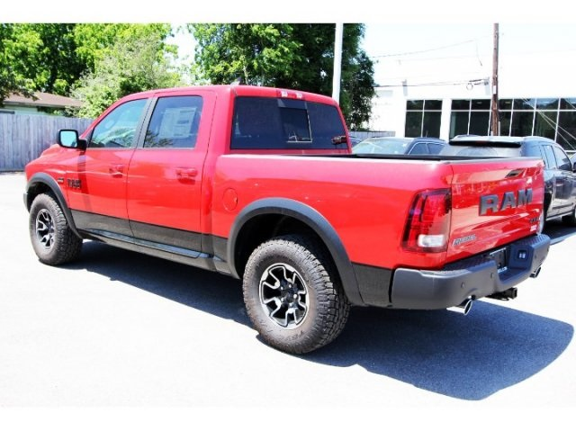 2018 Ram 1500 Crew Cab 4x4, Pickup #829203 - photo 4