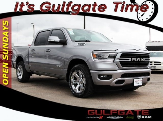 2019 Ram 1500 Crew Cab, Pickup #929004 - photo 1