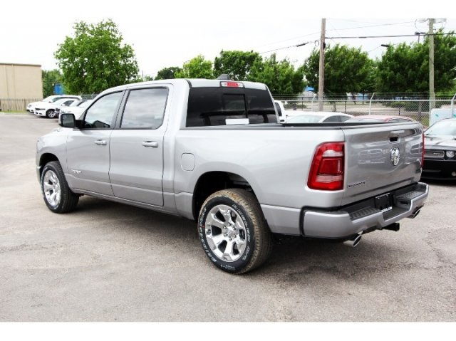 2019 Ram 1500 Crew Cab 4x2,  Pickup #929004 - photo 4