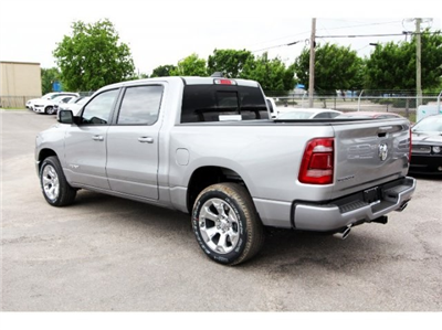 2019 Ram 1500 Crew Cab, Pickup #929004 - photo 4