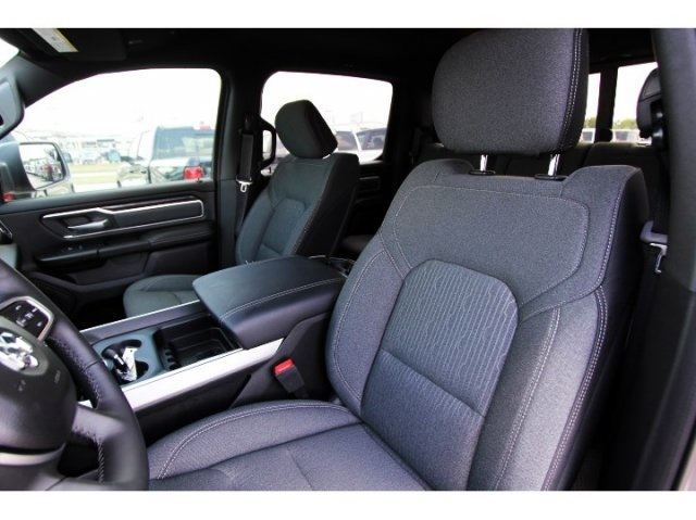 2019 Ram 1500 Crew Cab 4x2,  Pickup #929005 - photo 7
