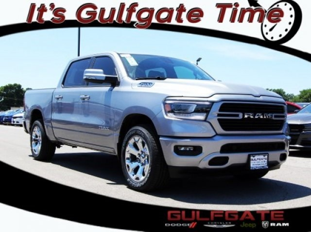 2019 Ram 1500 Crew Cab, Pickup #929009 - photo 1