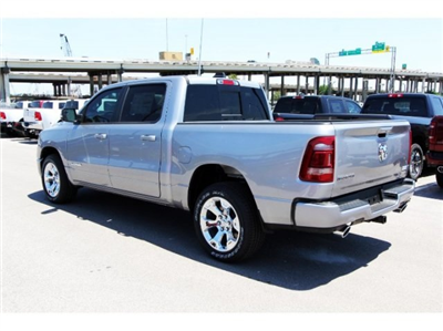 2019 Ram 1500 Crew Cab, Pickup #929009 - photo 4