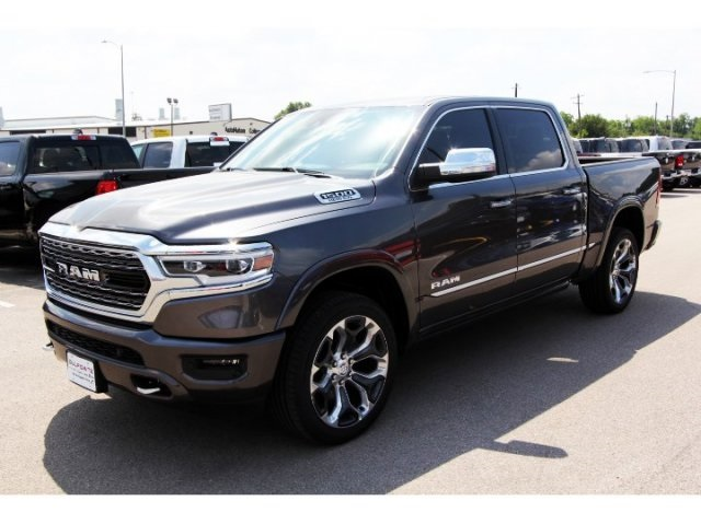 2019 Ram 1500 Crew Cab 4x2,  Pickup #929054 - photo 3