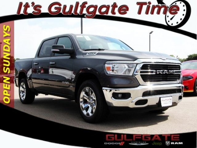 2019 Ram 1500 Crew Cab 4x2,  Pickup #929057 - photo 1