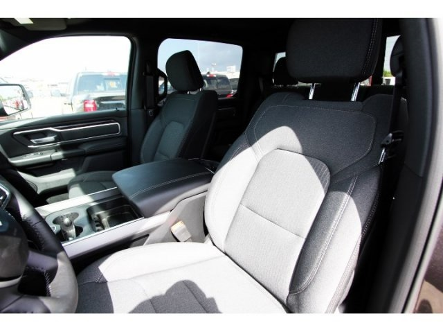 2019 Ram 1500 Crew Cab 4x2,  Pickup #929057 - photo 7