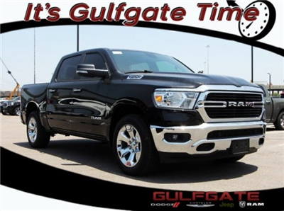 2019 Ram 1500 Crew Cab 4x2,  Pickup #929070 - photo 1