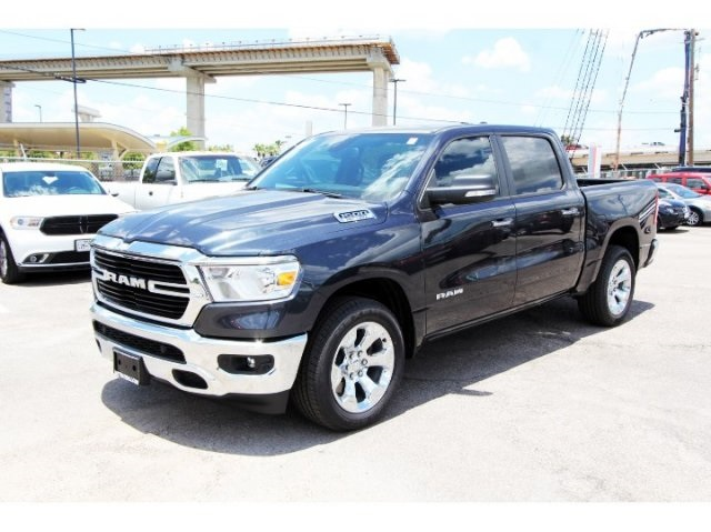 2019 Ram 1500 Crew Cab 4x2,  Pickup #929080 - photo 3