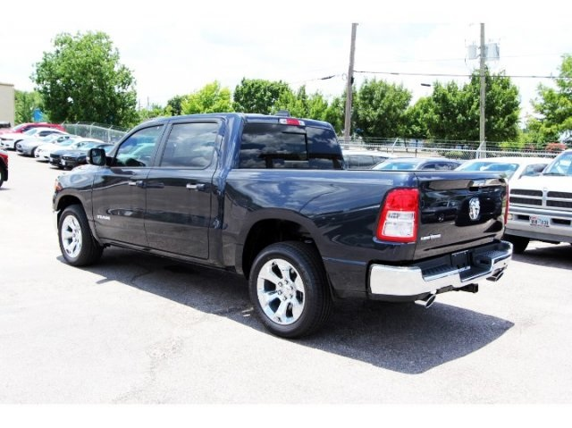 2019 Ram 1500 Crew Cab 4x2,  Pickup #929080 - photo 4