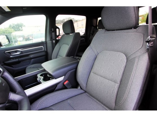 2019 Ram 1500 Crew Cab 4x2,  Pickup #929086 - photo 7