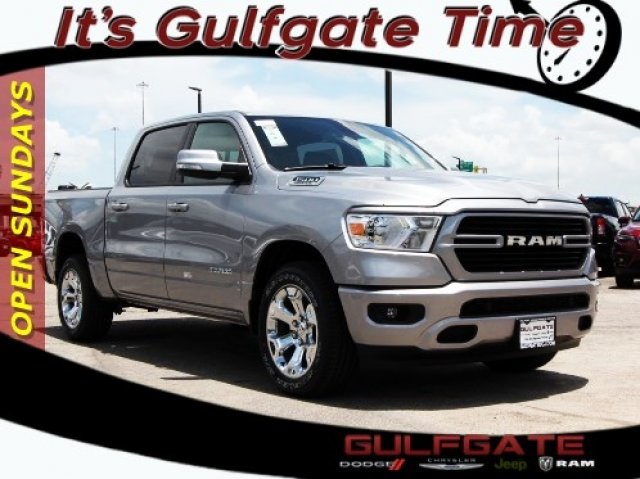 2019 Ram 1500 Crew Cab 4x2,  Pickup #929109 - photo 1