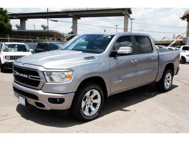2019 Ram 1500 Crew Cab 4x2,  Pickup #929109 - photo 3