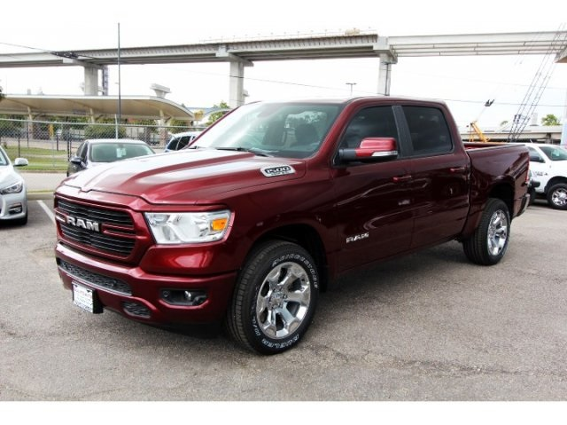 2019 Ram 1500 Crew Cab 4x2,  Pickup #929121 - photo 3