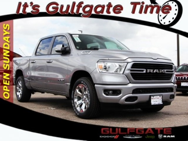 2019 Ram 1500 Crew Cab 4x2,  Pickup #929133 - photo 1
