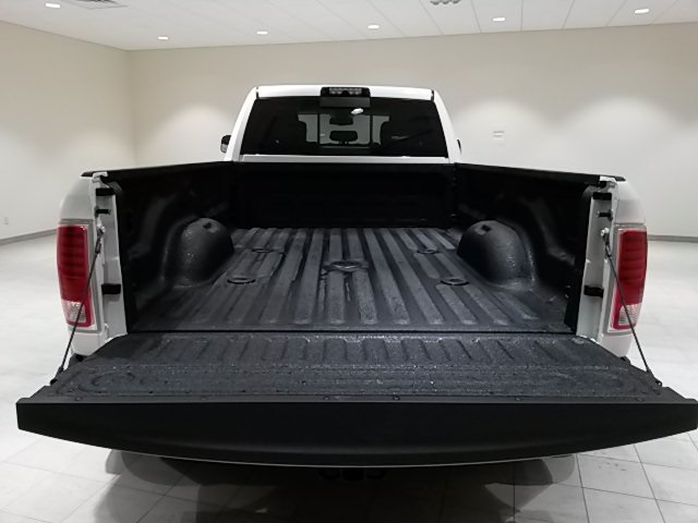 2017 Ram 3500 Crew Cab DRW 4x4, Pickup #D1837 - photo 8