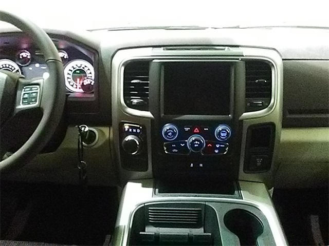 2018 Ram 1500 Crew Cab 4x2,  Pickup #D1963 - photo 10