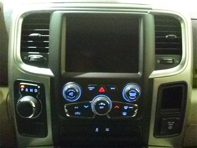 2018 Ram 1500 Crew Cab 4x2,  Pickup #D1963 - photo 16