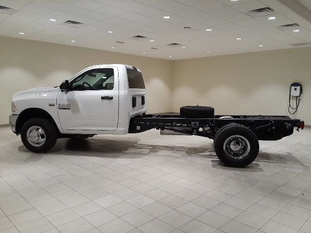 2018 Ram 3500 Regular Cab DRW 4x4,  Cab Chassis #D2345 - photo 5