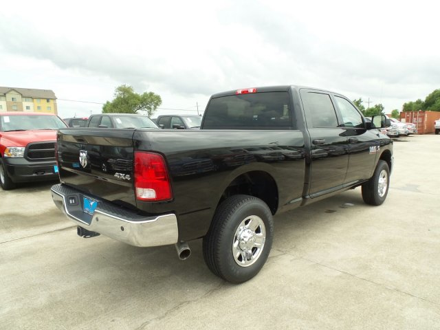 2017 Ram 3500 Crew Cab 4x4 Pickup #HG775880 - photo 2