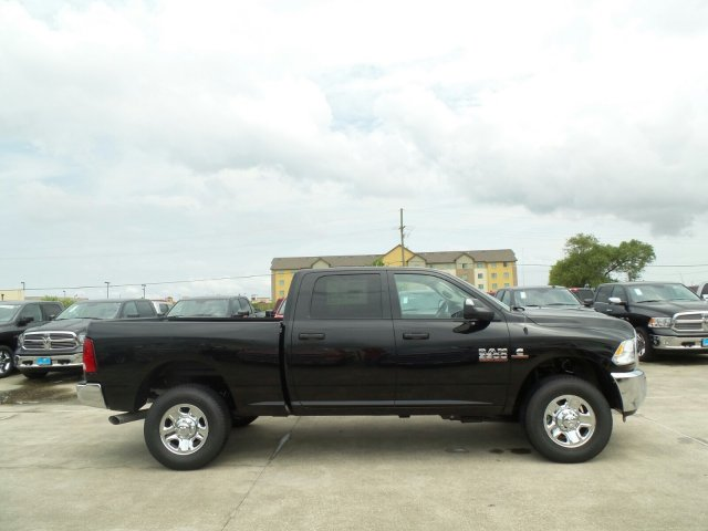 2017 Ram 3500 Crew Cab 4x4 Pickup #HG775880 - photo 6