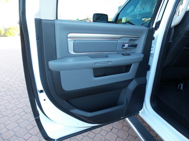 2017 Ram 1500 Crew Cab, Pickup #HS683992 - photo 13