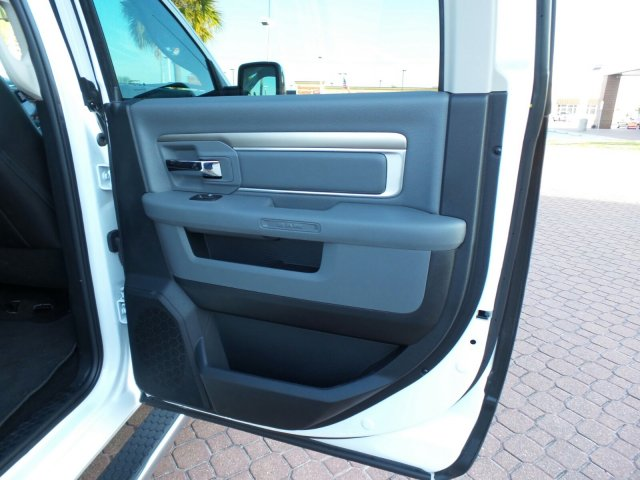2017 Ram 1500 Crew Cab, Pickup #HS683992 - photo 15