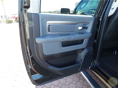 2017 Ram 1500 Crew Cab Pickup #HS695699 - photo 14