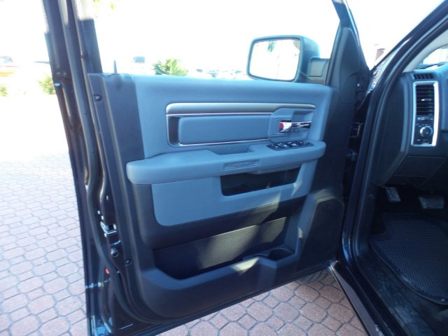 2018 Ram 1500 Crew Cab 4x4 Pickup #JG123792 - photo 12