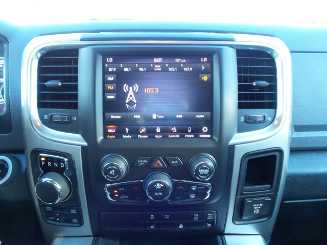 2018 Ram 1500 Crew Cab 4x4 Pickup #JG123792 - photo 21