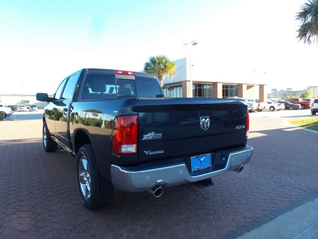 2018 Ram 1500 Crew Cab 4x4 Pickup #JG123792 - photo 3