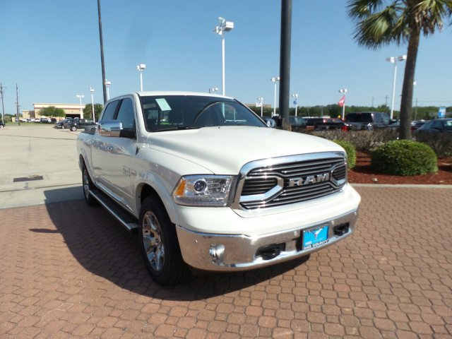 2018 Ram 1500 Crew Cab 4x4,  Pickup #JS110778 - photo 1
