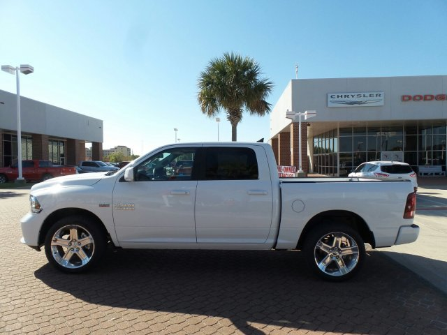 2018 Ram 1500 Crew Cab, Pickup #JS115142 - photo 3