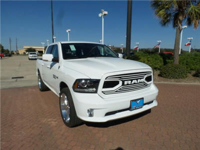 2018 Ram 1500 Crew Cab, Pickup #JS115142 - photo 1