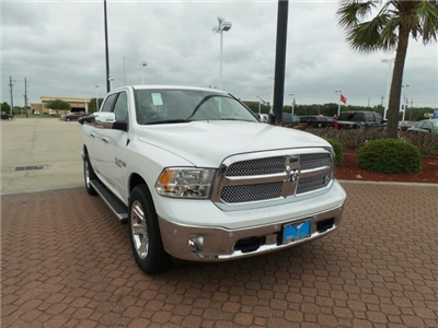 2018 Ram 1500 Crew Cab, Pickup #JS183349 - photo 1