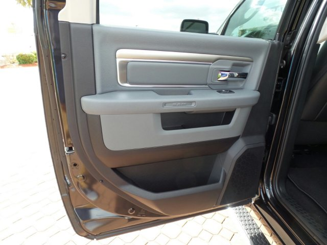 2018 Ram 1500 Crew Cab, Pickup #JS266213 - photo 15